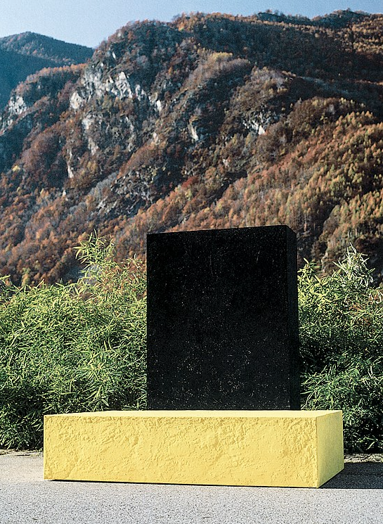 Ingeborg Lüscher, Ohne Titel, 1980. Sulphur, ashes, acrylic, glue and cement on wood, 175 x 165 x 80cm